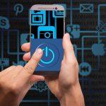 La veille des réseaux sociaux permettent d'ajuster les stratégies commerciales des entreprises.