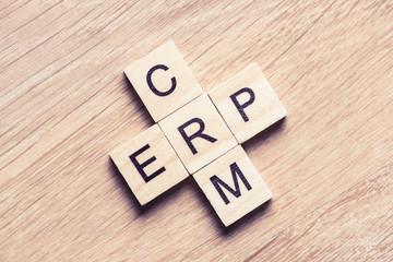 La différence entre un CRM et une ERP